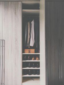 לא רק אחסון: איך להפוך את ארון הנעליים לפריט הכי חם בבית