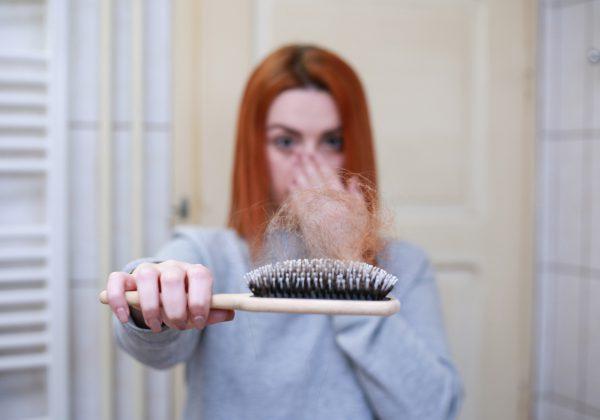 נשירת שיער אצל נשים: הכתבה שתעשה לכם סדר!